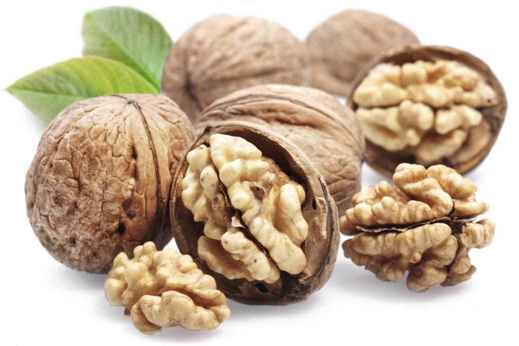 Почему полезны грецкие орехи